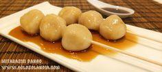 Hoy un postre traído desde Japón, un dulce clásico allí el mitarashi dango, con nuestra fácil receta y vídeo aprenderéis como hacer este dulce.