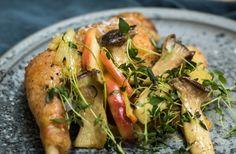 Kylling med lynstegte svampe og timianæbler