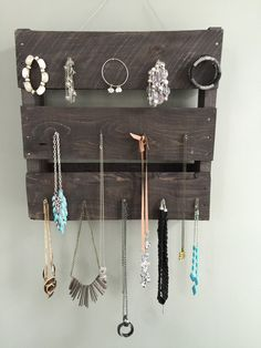 Pallet Jewelry Rack – Pallets with a Purpose
