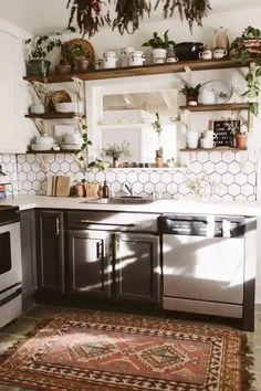 Rustic Kitchen Design, Boho Kitchen, Kitchen Tops, Farmhouse Style Kitchen, Rustic Farmhouse, Kitchen Ideas, Industrial Design, Kitchen Cabinets, Gray Cabinets