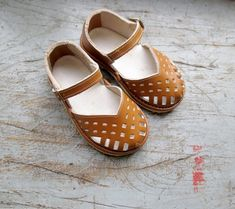 French vintage 50's / kids / shoes / sandal by Prettytidyvintage, €35.00