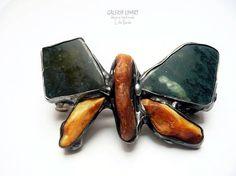 GIFT. Hair clip (barrette). Butterfly of amber and jade. Unique hand made // PREZENT. Spinka do włosów. Motyl z bursztynu i nefrytu. Unikat hand made