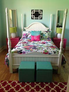 Aqua & pink teen girls bedroom