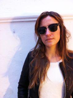 Héloise en Ray-Ban Clubmaster http://mamzelleh.com/2014/01/27/peut-on-faire-confiance-aux-opticiens-online-jai-teste/comment-page-1/#comment-759