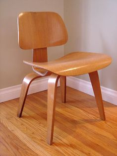 VINTAGE MODERN EAMES HERMAN MILLER CALICO ASH DCW DINING CHAIR 1952 LCW