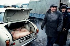 Targ w Grójcu, luty 1982 r. Pierwsza zima stanu wojennego, fot. Chris Niedenthal