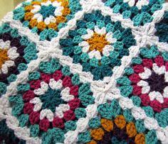 peaceofpi studio: Crochet Granny Square Flower Afghan