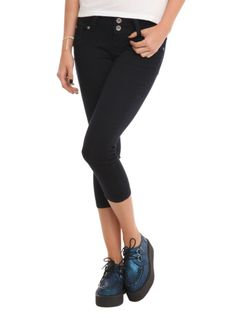 Indigo+capri+pants+with+five+pocket+styling+and+a+2-button+&+zip+closure.