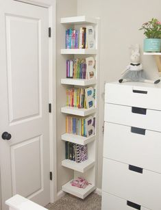 ideas little girls bedroom storage bookcases Kids Bedroom Storage, Small Room Bedroom, Trendy Bedroom, Girls Bedroom, Small Rooms, Baby Storage, Extra Storage, Kids Rooms, Bathroom Storage