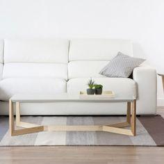 La puedes mantener plegada, ocupando un mínimo espacio, o desplegar sus niveles. Te servirá como mesa informal para cenas con amigos, o para uso diario.