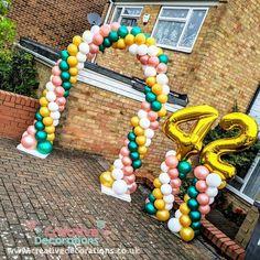 Balloons, Beaded Necklace, Party Ideas, Garden, Beaded Collar, Globes, Garten, Pearl Necklace, Lawn And Garden