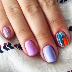 Abstract nail art 🎨 | #nailtech #nailtechlife #nailart #painting #nailpainting #abstractnailart #nailartist #pavelinadragoinailartist