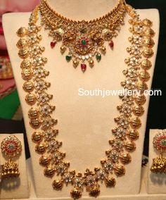 22 carat gold antique polki diamond choker and Ram Parivar kasu haram paired with suitable jhumkas. Indian Jewellery Design, Indian Jewelry, Jewelry Design, Latest Jewellery, Trendy Jewelry, Gold Jewelry, Gold Necklaces, Jewelry Model, Jewelry Patterns
