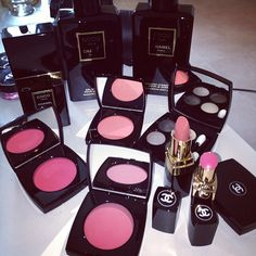 Love Chanel makeup. Wish it didn't cost an arm and a leg tho...