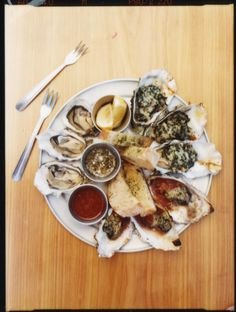 Enjoy some delicious oysters at Marshall Store in #California for a local dining experience. Be sure to check out T+L's top 100 places to Eat Like a Local in America for some more mouth-watering cuisine!