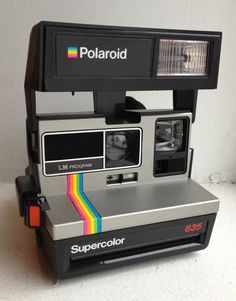 The Supercolor 635 was one of many variations in the simple plastic-bodied 600 camera line featuring the Light Management System. A basic 600-series camera, the Supercolor 635 features a 116mm single-element plastic lens, fixed focus ...