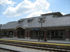 """Oak Lawn Metra Station in Oak Lawn, IL - Semi-Weathering Green and Semi-Weathering Purple roofing slate (18"""" x 12"""" x 1/4"""")"""