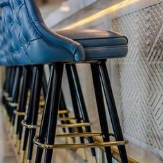 Subtle Britishness @gealesdubai @gilesmiller #unionjack #barstool #richardsonseating #2528bucketseat #seafood #tiles #blue #bars #restaurant #seafood #cuisine#interiors #interiordesign #lemeridiendubai #lemeridienhotels #hotels #dubai #london