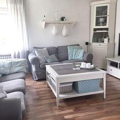 Wohnzimmerbereich  #whiteliving#white#grey#scandicinterior#scandinavianhome#scandinaviandesign#ikea#