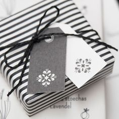 White & grey pretty and stylish everyday gift tags or place cards. Ideal for wedding wishes, place card, seating plans and gift wrap.