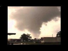 Amazing Tornado in Giddings, Lee County, Texas | May 19, 2015