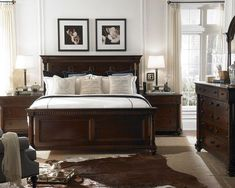 dark wood bedroom furniture bedroom dark brown furniture design, pictures, remodel, decor and ideas - page kksxwji - Decorating ideas Traditional Bedroom Design, Dark Bedroom Furniture, Bedroom Furniture Sets, Brown Furniture Bedroom, Small Bedroom Remodel, Bedroom Sets, Home Bedroom, Dark Brown Furniture, Remodel Bedroom