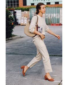See the best street style from Australian fashion week. See the best street style from Australian fashion week. Cool Street Fashion, Work Fashion, Trendy Fashion, Fashion Outfits, Fashion Design, Fashion Trends, Style Fashion, Fashion Ideas, Womens Fashion