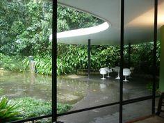 Nice outdoor area [minus the flooding]. Canoas House. Oscar Niemeyer.