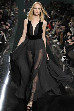 Elie Saab RTW Fall 2014 - Slideshow - Runway, Fashion Week, Fashion Shows, Reviews and Fashion Images - WWD.com