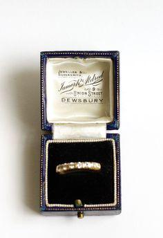 Antique ring box Art Deco Sapphire Blue
