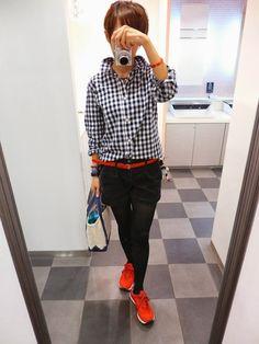 今日は赤をアクセントにショートパンツで元気スタイル。 Shirt/GAPKIDS Bottoms/GAP Bag/L.L.Bean Shoes/NB Today is Boys style you use the red.