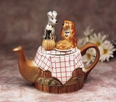 Lady and Tramp Teapot