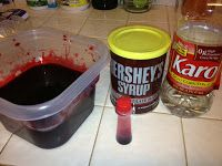 DIY - Making your own fake blood. only 3 ingredients! Imagine, See, DoHalloween DIY - Making your own fake blood. only 3 ingredients! Imagine, See, Do Halloween Haunted Houses, Spooky Halloween, Holidays Halloween, Halloween Treats, Diy Halloween Blood, Scary Diy Halloween Costumes, Diy Halloween Decorations Scary, Insane Asylum Halloween, Haunted House Props