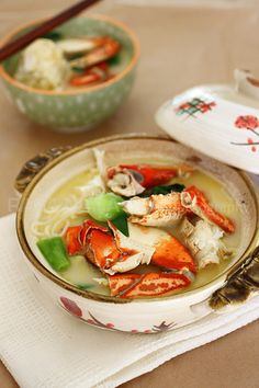 Crab Bee Hoon - delicious crab in a rich and milky noodle soup, so good!!! | rasamalaysia.com