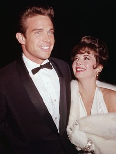 Warren Beatty and Natalie Wood at the 1962 #Oscars. What a stunning duo.