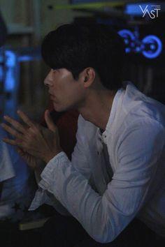 """""""굿바이, Zinu"""" 현빈님께서 로그아웃 하셨습니다. (가지마..엉엉 T.T) : 네이버 포스트 Kang Haneul, Netflix, Moon Chae Won, Hyun Bin, Live Wallpapers, My Crush, Dimples, My Man, Korean Actors"""