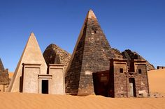 Pyramids of Meroe (Sudan) – Just south of Egypt, a completely different civilization, the Kush, built a completely different sort of pyramid by the city of Meroe. Less vast monuments and more very large gravestones, the graveyards in Meroe contain over fifty pyramids for royalty, set within a vast, rocky desert landscape.