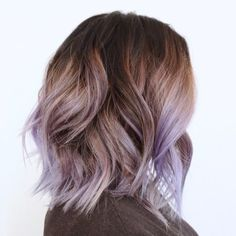 20 Swoon-Worthy Lilac Hair Ideas - 20 Swoon-Worthy Lilac Hair Ideas Brown Bob With Lilac Highlights Lilac Highlights, Purple Balayage, Hair Color Balayage, Pastel Purple Hair, Ombre Hair Color, Hair Colour, Short Lilac Hair, Purple Roses, Short Ombre