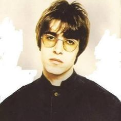 i just luuuv him :) Liam Gallagher, Liam Oasis, Oasis Album, Liam And Noel, Britpop, Rockn Roll, Music Bands, Rock Music, Cool Bands