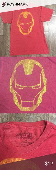 Marvel Avengers t-shirt Men's Marvel Avengers medium light red t-shirt. Marvel Shirts Tees - Short Sleeve