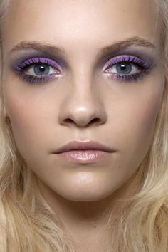 Purple eyes and long lashes. Winter winner! Wanna try? Bourjois AU Smokey Pencil in Dark Purple, ALMAY Get Up & Grow Mascara, a little illuminator and a whole lotta smudging will do the trick!
