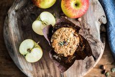 Jablečné muffiny Kitchinette Kitchenette, Sweet Recipes, Apple, Baking, Cup Cakes, Fruit, Food, Apple Fruit, Bakken