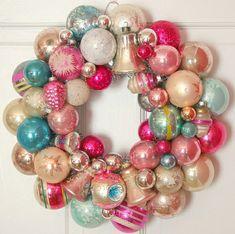 Weihnachtskranz-rosa-Kugel-selber-basteln... Wie vintage...