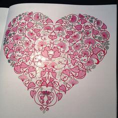 Jardin Secret rose et argent Polychromos de Faber -Castell et Feutre Pitt Brush de Faber Castell