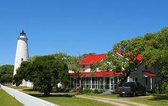 http://www.TravelPod.com - The Ocracoke Light Station by TravelPod member Pas_de_deux, from Okracoke NC, United States
