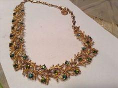 LISNER GOLD TONE GREEN AURORA BOREALIS NECKLACE   £28.16 (2B)