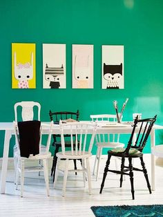 Una parete verde smeraldo