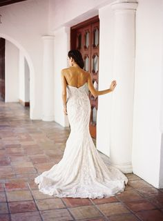Photography : Ozzy Garcia Read More on SMP: http://www.stylemepretty.com/2014/02/04/mediterranean-wedding-inspiration/