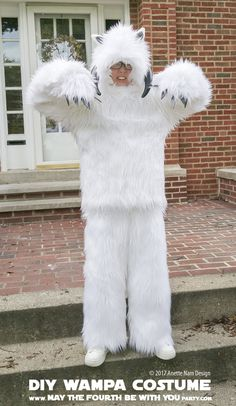 wampa Costumes and Cosplay / Check out lots more Star Wars Halloween costumes and cosplay ideas on our blog / #starwars #halloween #maythefourthbewithyou #maythe4thbewithyou #costume #cosplay #diy #pattern #sewing #hoth #wampa #geek #nerd #theempirestrikesback/ maythefourthbewithyoupartyblog.com