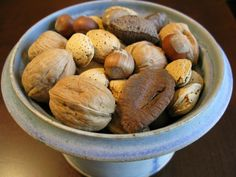 Nuts and the Paleo Diet: Moderation is Key ~ The Paleo Mom